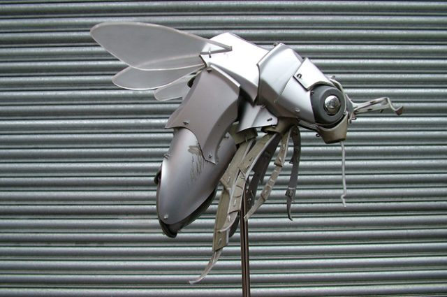 recycled sculpture scrap art green eco recycledart junk rubbish hubcap animal insect cyber bug fly bee