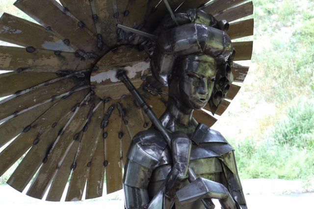recycled sculpture scrap art green eco recycledart junk rubbish samurai warrior japan geisha
