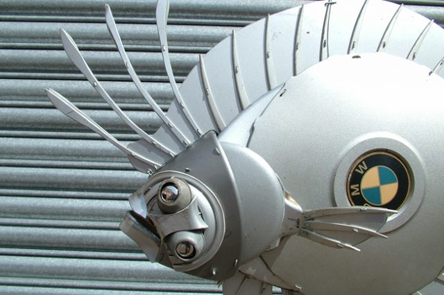 recycled sculpture scrap art green eco recycledart junk rubbish hubcap fish fishes angling deepseafishing deep sea imperial scaldfish flatfish