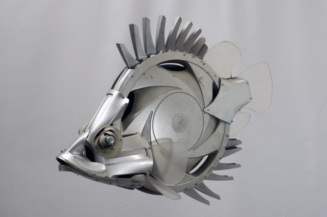 recycled sculpture scrap art green eco recycledart junk rubbish hubcap fish fishes angling deepseafishing deep sea leaffish leaf