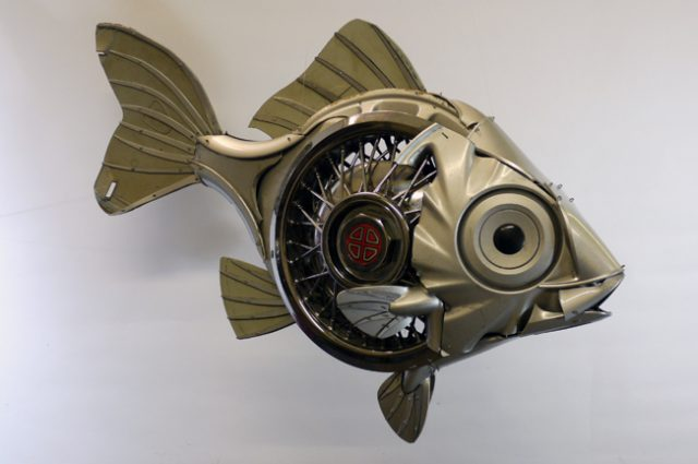 recycled sculpture scrap art green eco recycledart junk rubbish hubcap fish fishes angling deepseafishing deep sea