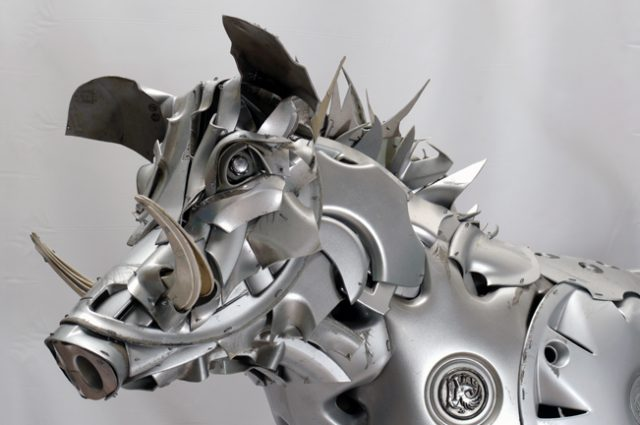 boar wildboar wild animal pig pigs recycled sculpture scrap art green eco recycledart junk rubbish hubcap